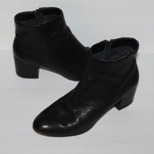 Banana Republic Black Leather Ankle Booties size 8